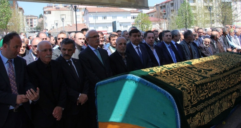 Hayırsever işadamı Mehmet Öngel toprağa verildi