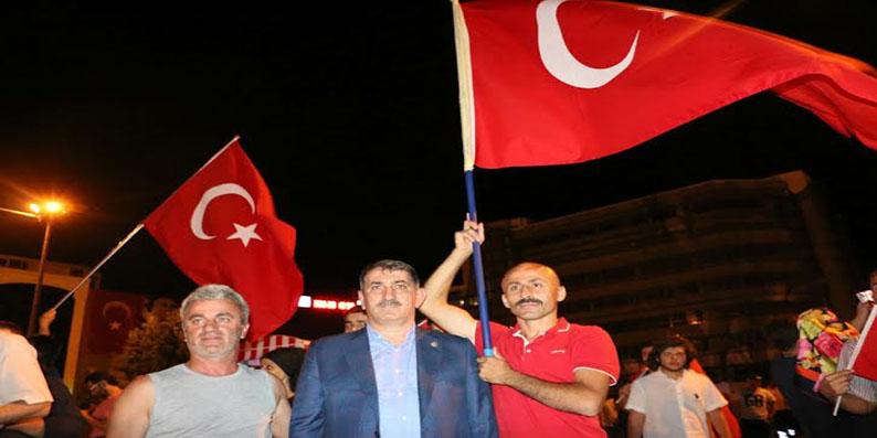 'İstiklal aşkıyla meydanları dolduran aziz milleti hesap edemediler'