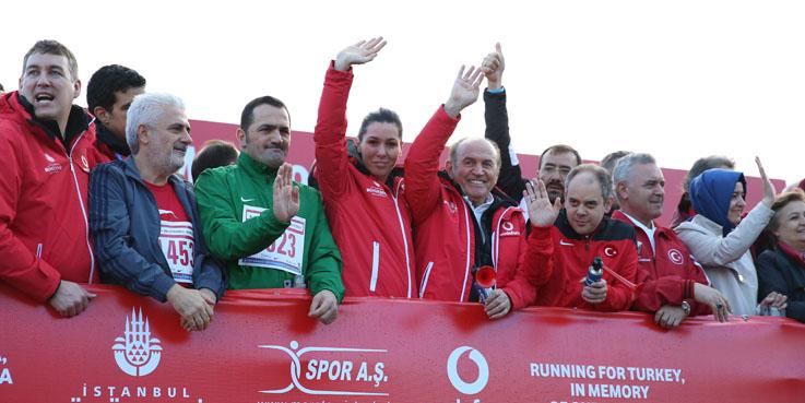 Karaaslan İstanbul Maratonu'na katıldı