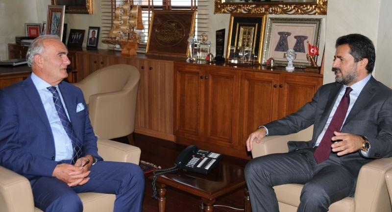 Milletvekili Aday Adayı Talip Öztürk Başkan Yılmaz'ı ziyaret etti