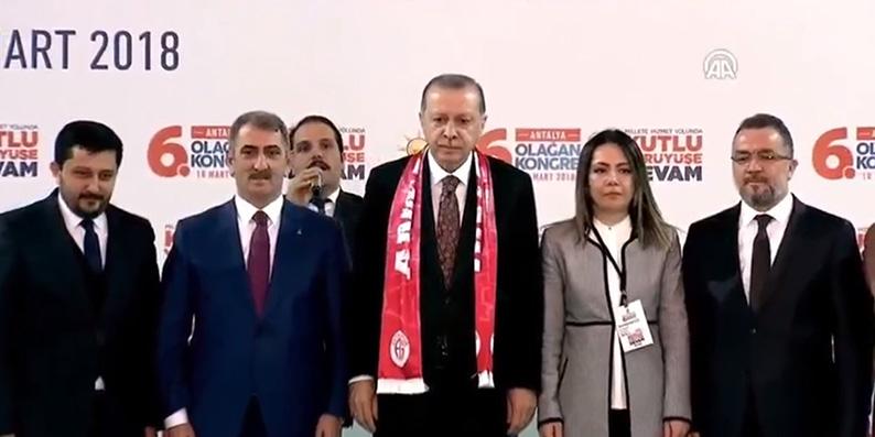 Milletvekili Köktaş Antalya 6. Olağan İl Kongresi'nin divan başkanlığını yaptı