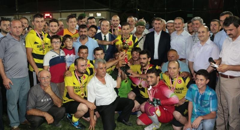 Milletvekili Köktaş Arım mahhallesi Futbol Turnuvası'na katıldı