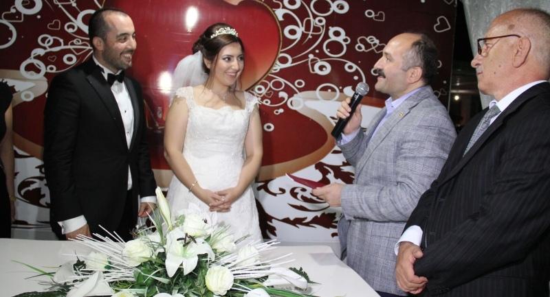 Milletvekili Usta nikah şahitliği yaptı