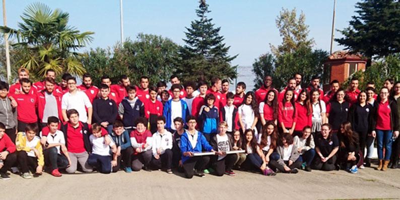 OMÜ Vakfı Koleji Öğrencilerinden Samsunspor'a anlamlı ziyaret