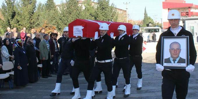 Polis memuru Fatih Hacıeyüpoğlu son yolculuğuna uğurlandı