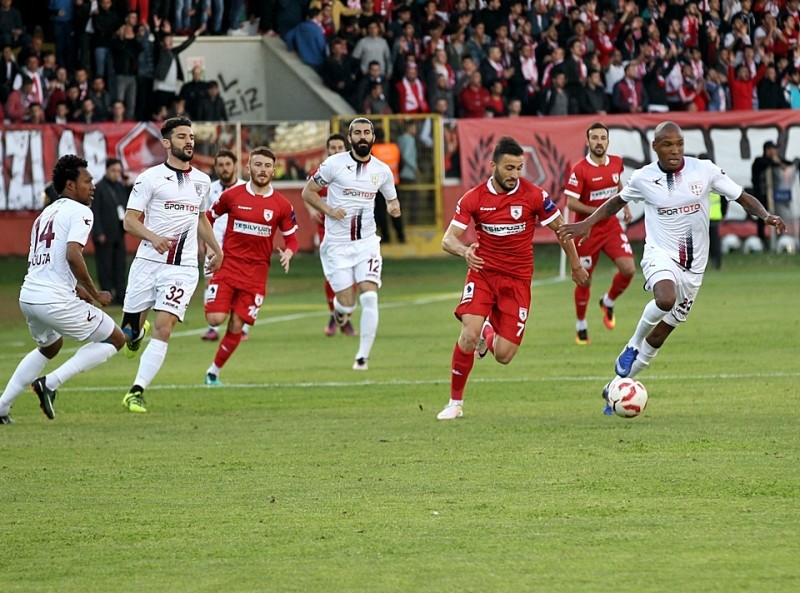 Samsunspor Bandırmaspor maçının ilk yarısı 0-0 bitti