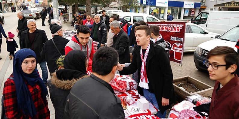 Samsunspor için Terme'de stant açıldı