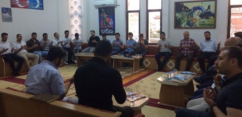 Şehit'e Vefa Asker Ve Polise Dua