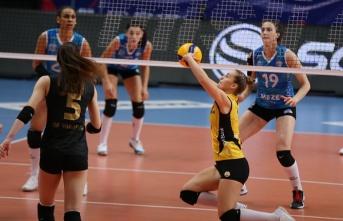 VakıfBank Kadın Voleybol Takımı Bursa'da da kazandı