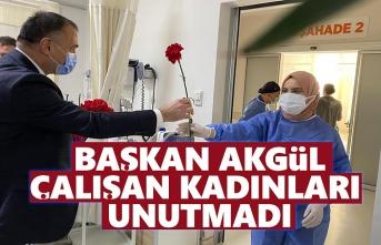 Başkan Akgül, Çalışan Kadınları Ziyaret Etti