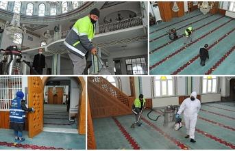 Canik'te Camilerde Ramazan Temizliği
