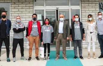 Yüzme Şampiyonu Azra Armağan'a ödül - Samsun Haber