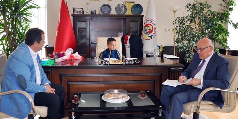 Başkan Şenol Kul Koltuğu devretti