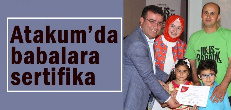 Başkan Taşçı sertifika alan babaları kutladı