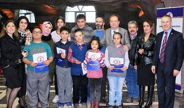 Özel Eğitim Öğrencileri Seramik ve Ebru Sanatı ile Tanıştı