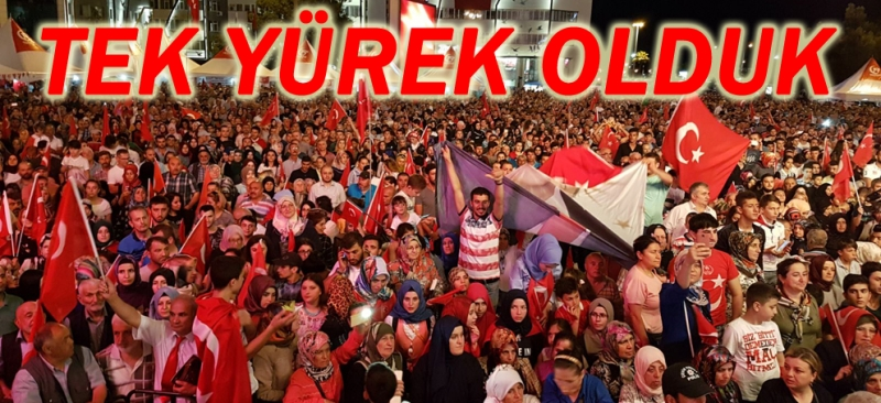 Samsun Cumhuriyet Meydanı'nda onbinler yine demokrasi nöbetinde