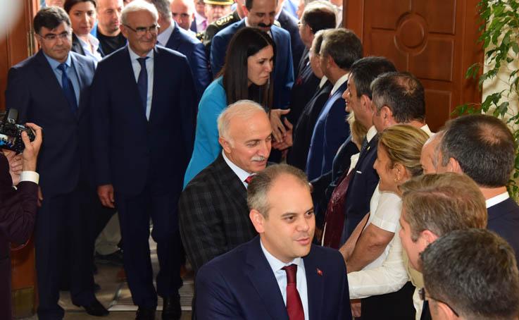 Samsun'da devlet-millet bayramlaştı