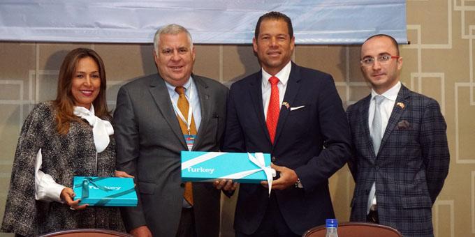 TİM Kolombiya Ticaret Heyetine İzmirli başkan