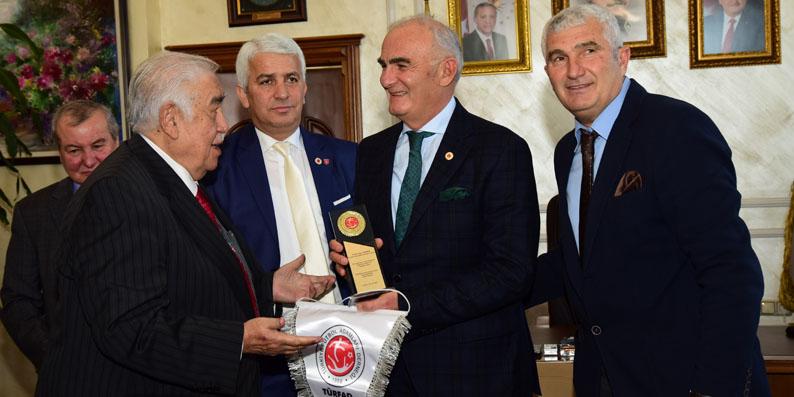 Türkiye Futbol Adamları Derneği'nden Samsun Golf Sahasına tam not