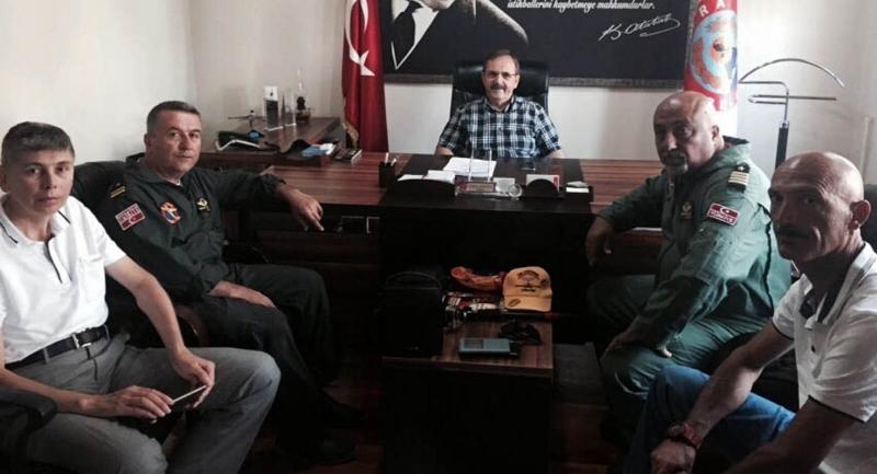 Yamaç paraşütü eğitmenlerinden Başkan Şahin'e ziyaret